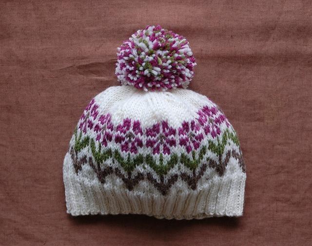 【nami様リクエスト品】 ホワイトニット帽 赤紫 【花園】 女の子サイズ