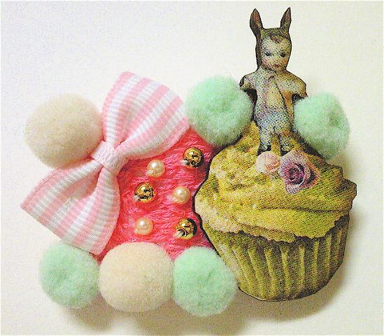 カップケーキの妖精ブローチ。