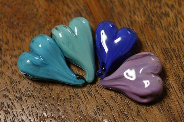 4個セット glass beads (とんぼ玉)ハート/水色〜パープル