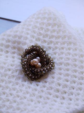 Pearl brooch <Dec 2014>