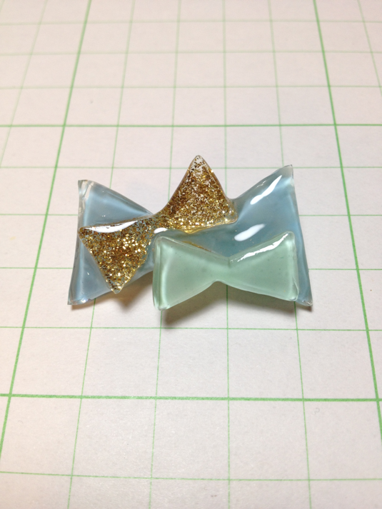△SOLD OUT△リボンちょっと盛りブローチ