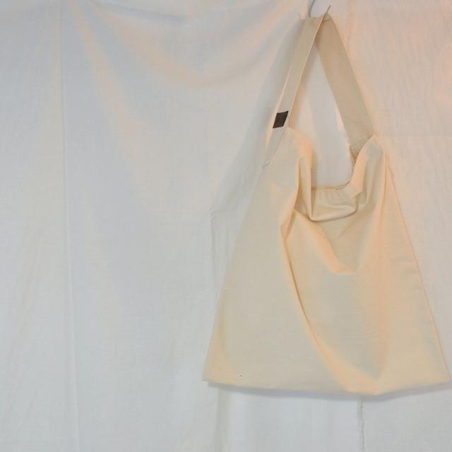 帆布素材のワンショルダーBAG