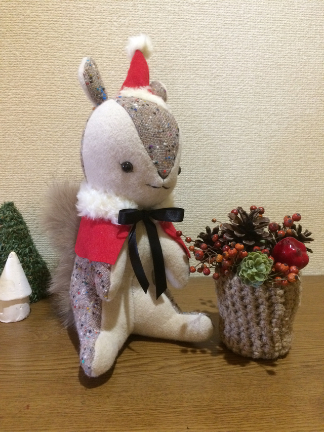 季節を楽しむリスさん    クリスマス