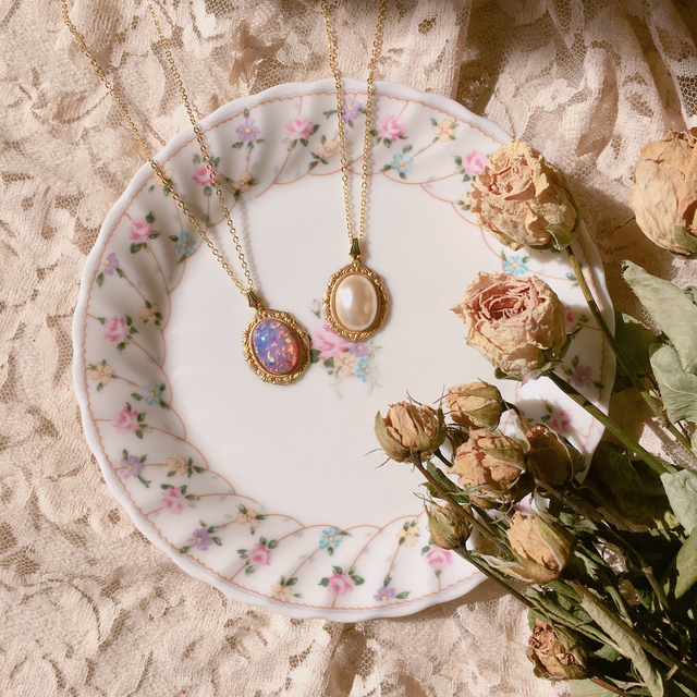 vintage cabochon necklace