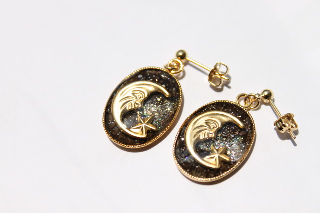 【sold out】月と星ピアス