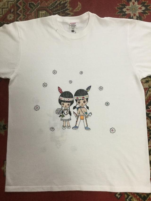 手刺繍Tシャツ