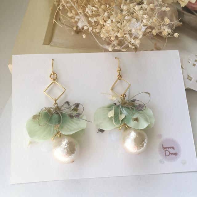 コットンパールと花のピアス(ミント)