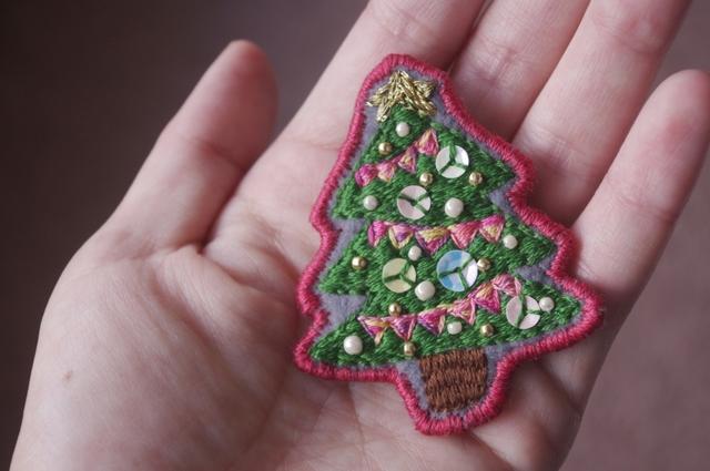 クリスマスツリーのブローチ*
