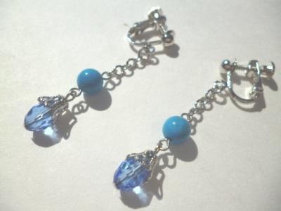 ターコイズ・カットガラスのイヤリング