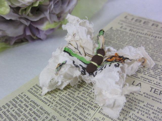 蝶々ブローチ(ハワイアン)