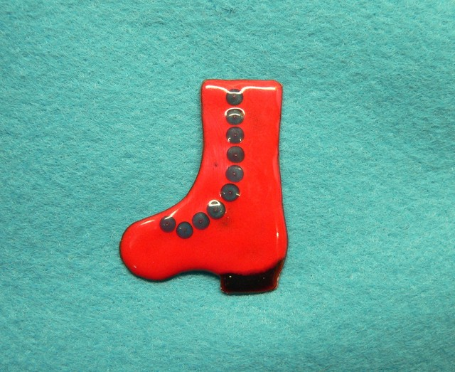 七宝焼・赤いブーツ
