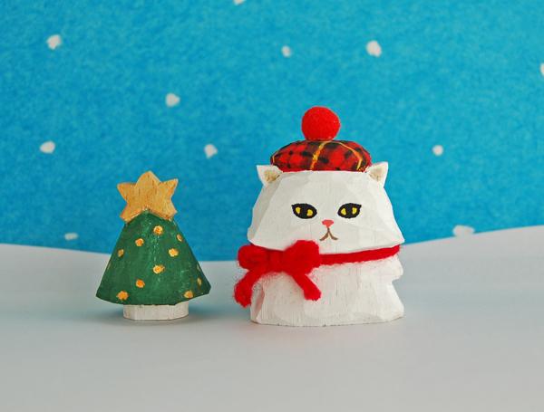 木彫り人形 ベレー帽のペルシャ猫とツ...