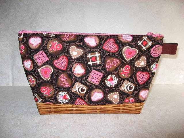 ハートチョコレートポーチ