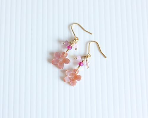 【さくら、咲く】 ピンクシェルの桜とスワロフスキーピアス/p397