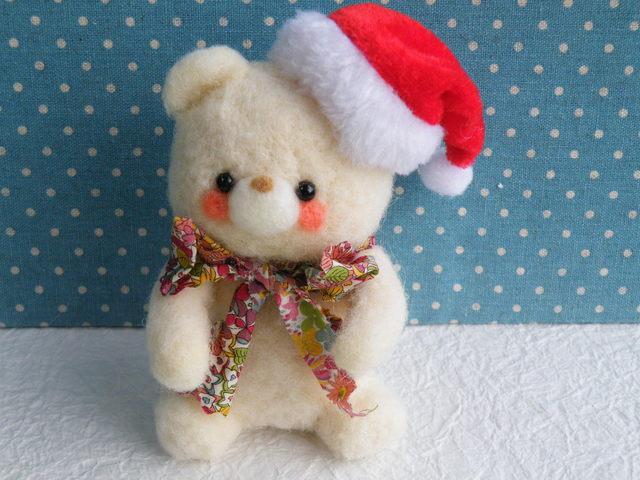 クリスマスの白くまちゃん 羊毛フェルト