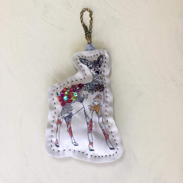 バンビちゃん刺繍チャーム