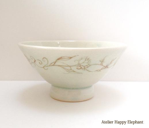 植物模様のお茶碗