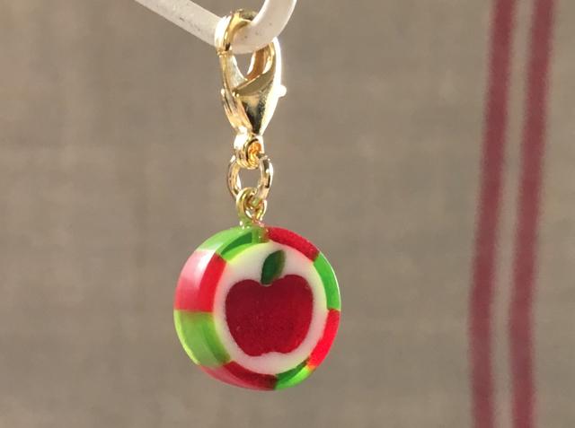 りんごキャンディのチャーム