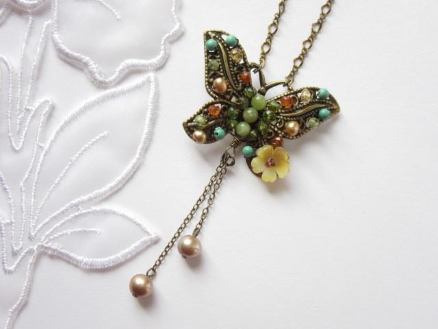 アンティークジュエリー風 蝶のネックレス