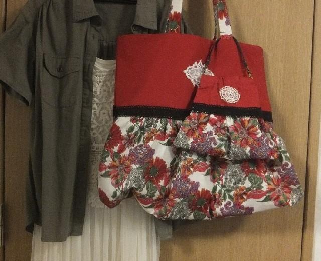 元気な赤い親子バッグ