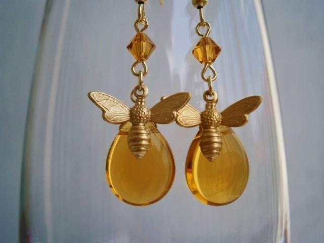 蜜蜂の羽音ピアス   「サマコレ」