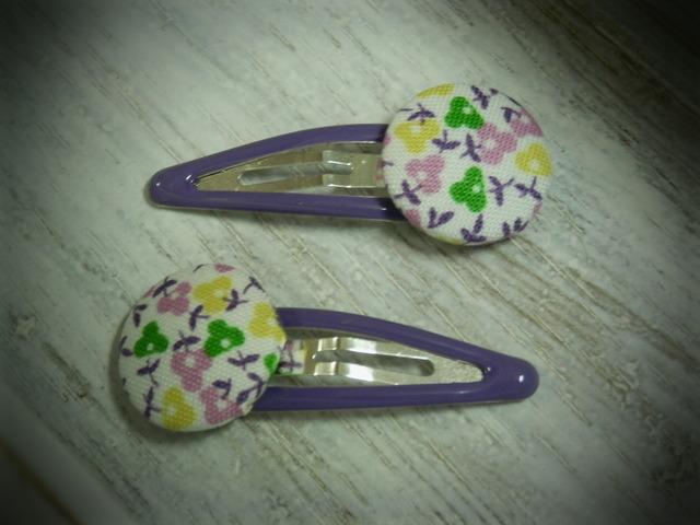 くるみボタンのプチパッチンどめ2コセット---むらさき小花---