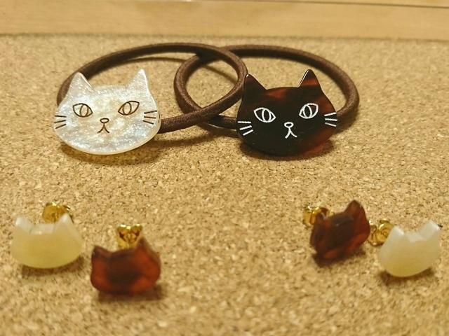 ご予約品 猫ピアス 猫ヘアゴム