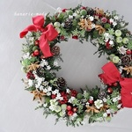twin ribbons wreath