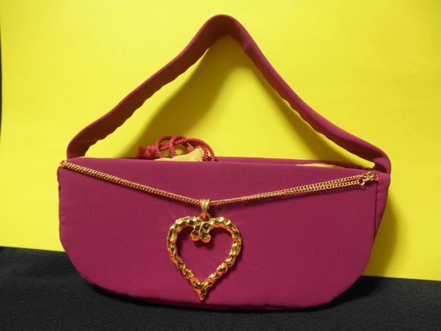 金色ハート&赤みの紫バッグ