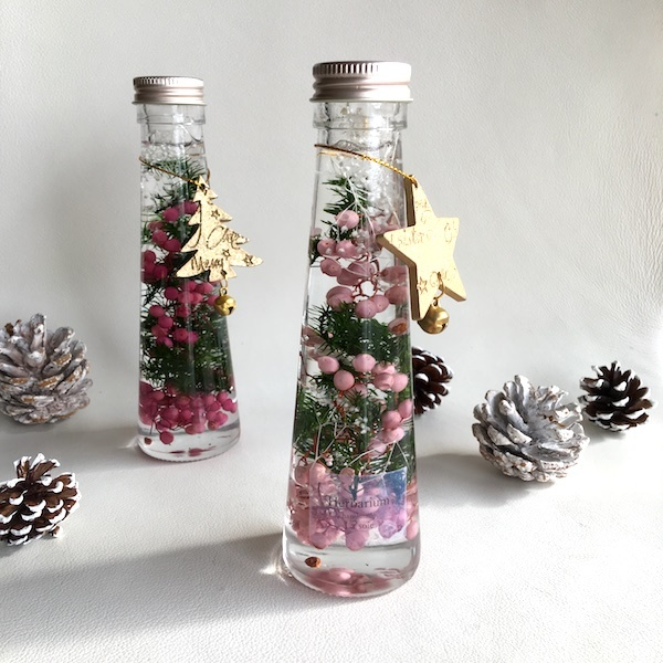 ガラス瓶の中のクリスマスツリー★ロー...