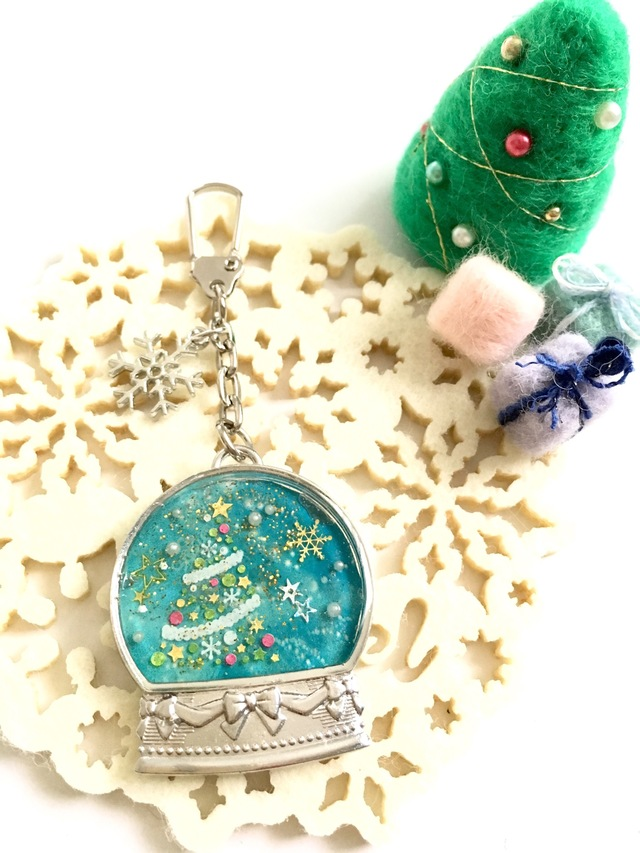 クリスマス☆スノードームのキーホルダ...