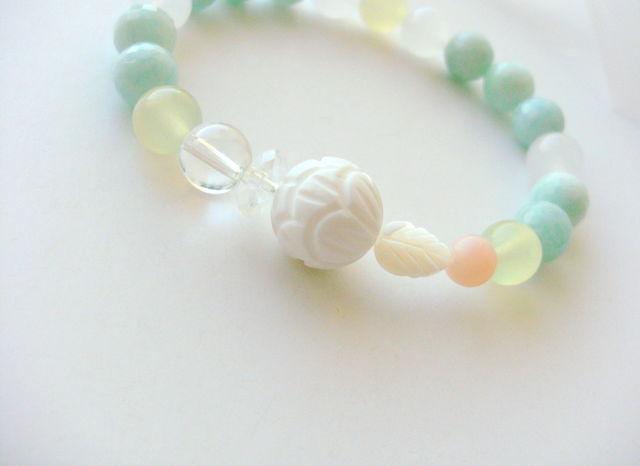 *full bloom of white lotus