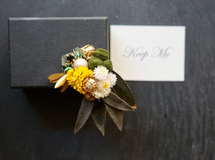 [Moutarde] 'rétro botanical broach'スワロフスキー・クリスタルと植物のブローチ