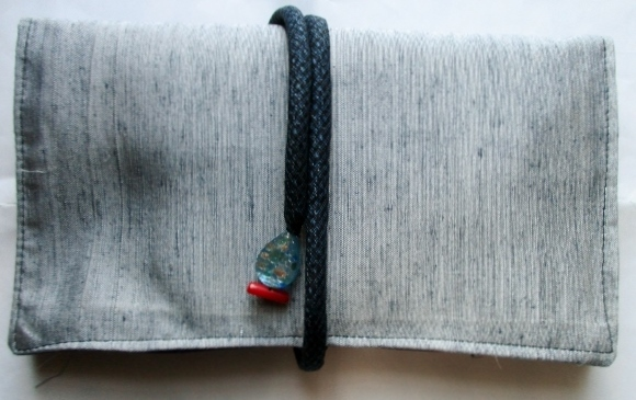 送料無料紬の着物で作った和風財布・ポ...