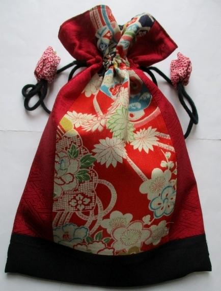 送料無料 花柄の着物と絞りで作った巾...