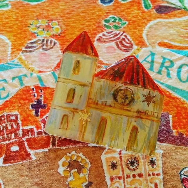 教会シリーズ 赤い屋根の教会ブローチ1