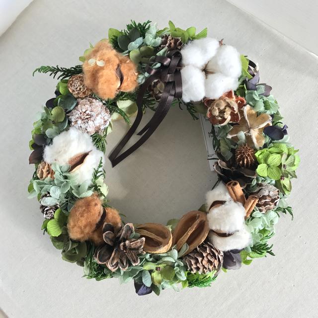 Winter   Wreathe  冬の森の中のリース