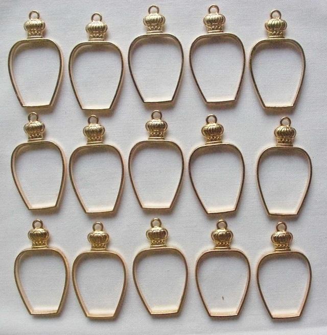 7個 香水枠ミール皿 ゴールド M106