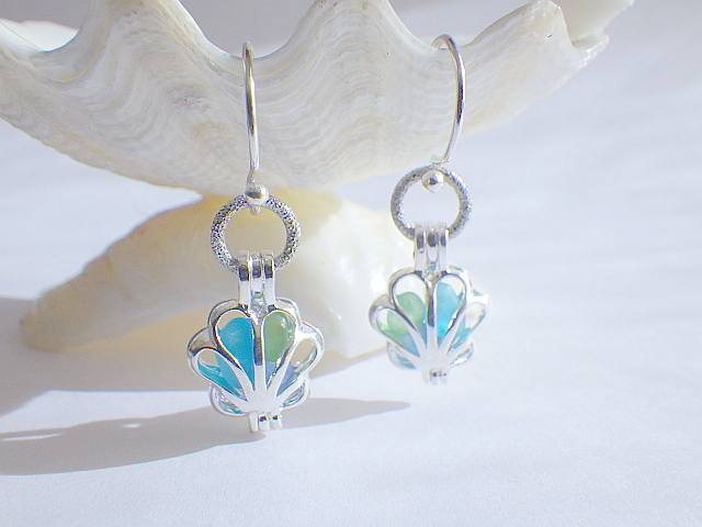 ☆再販☆ Sea glass in shell earrings ...