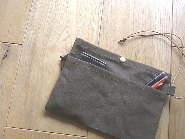 パラフィン帆布のバッグインバッグ オリーブ