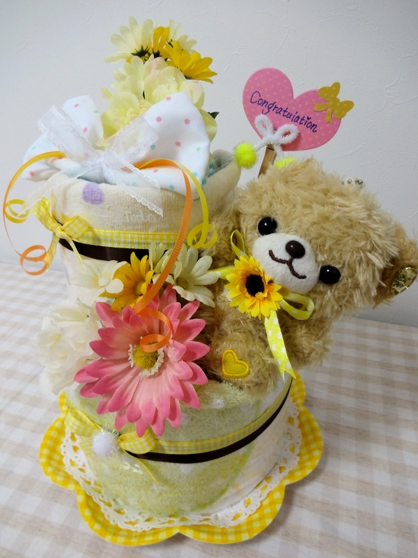 イエロークマちゃん2段おむつケーキ