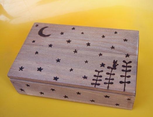 シルエットの星月夜と猫☆手描きの木箱