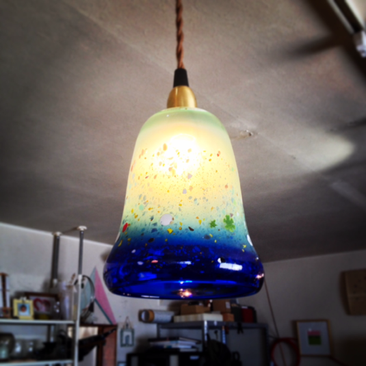 ガラスのランプシェード(ブルー)