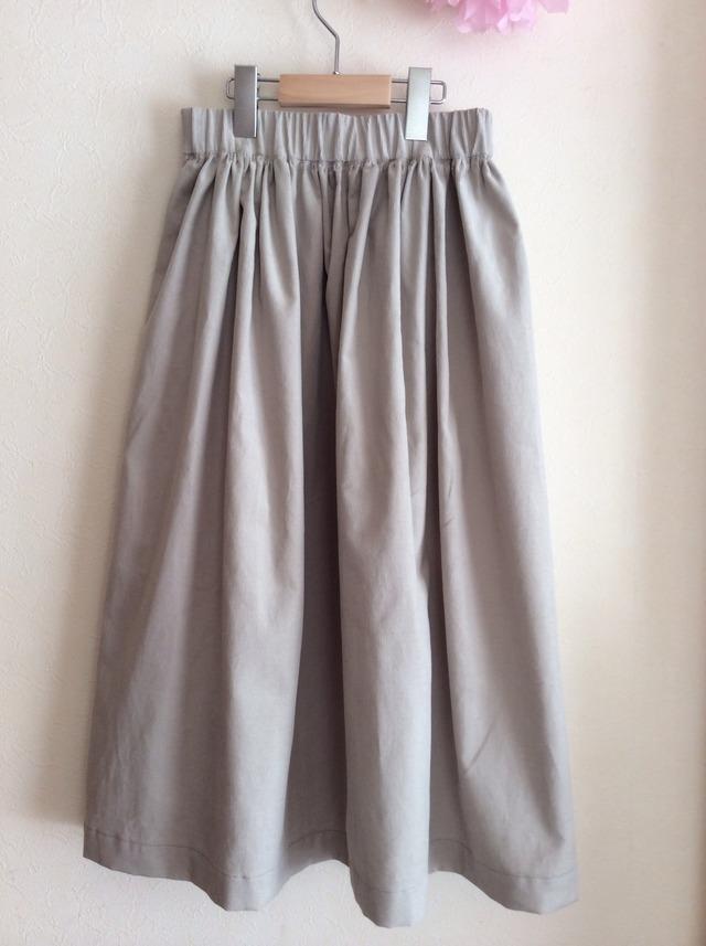 シンプルなギャザースカート for women