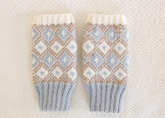 手編みの指なしミトン 【ダイヤ&クロス】