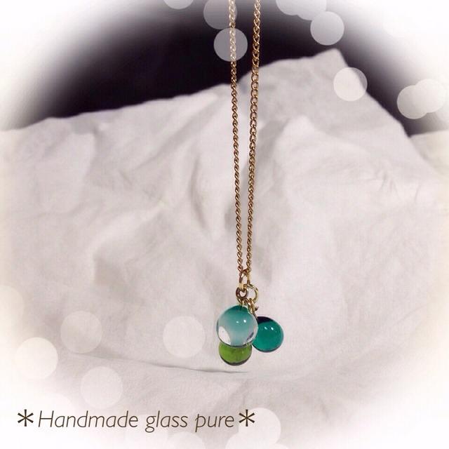 R-55 *ガラスの実のネックレス*グリーン