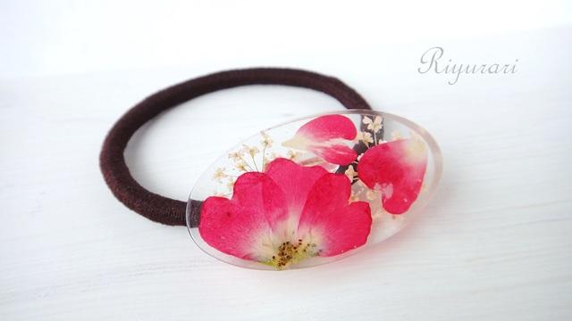 押し花のヘアゴム(ミニバラ・オーバル)