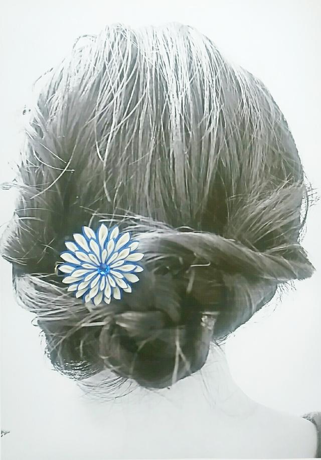 ブルーのダリアヘアクリップ
