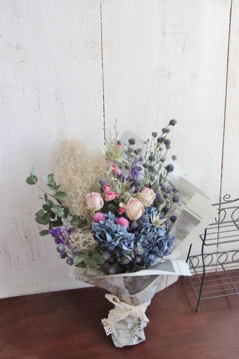 マシュマロカラーのバラを花束に...♪