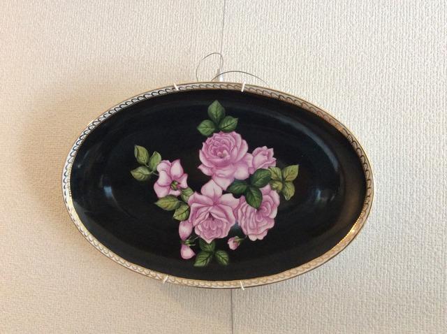 薔薇の花のデザインの楕円の絵皿